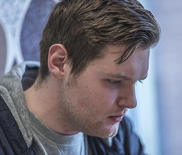 En bild av Jonathan från Hundramannaschacket, en till tävling som han vann. Foto Lars OA Hedlund