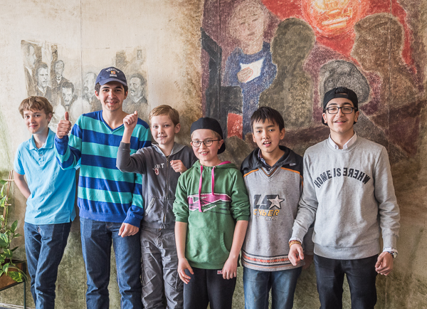 Det vinnande laget! Från vänster till höger- Axel, David, Alexander, Hampus, Philip och Ashkan. Foto Lars OA Hedlund