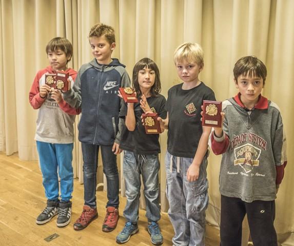Från vänster- Alexander, Viktor, Herman, Elias och Simon. Foto Lars OA Hedlund