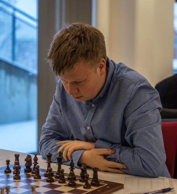 Felix är koncentrerad redan från början av partiet. Foto Lars OA Hedlund